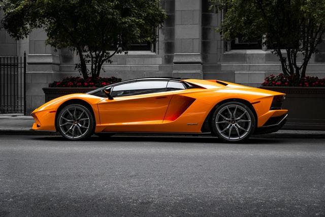 Lamborghini jaune pour montrer pourquoi tu ne retrouve pas ta motivation